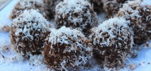 No Bake Chocolate Energy Balls Recipe