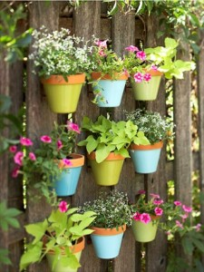 40 Ideas to Dress Up Terra Cotta Flower Pots – DIY Planter Crafts