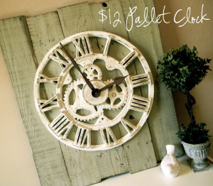How to Make a Pallet Clock (Makeover)