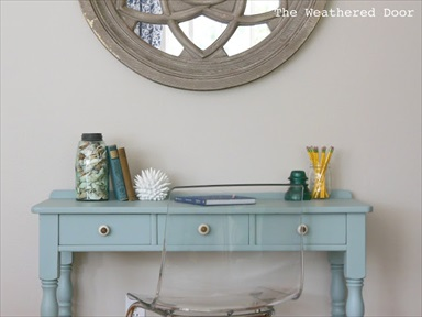 A Beachy Writing Table (Makeover)