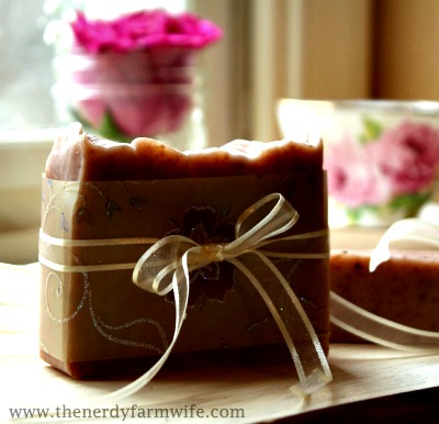 How to Make Winter Rose Soap