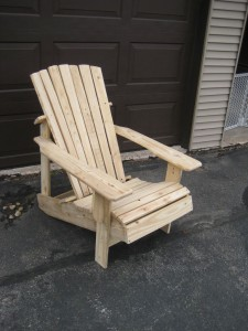 How to Make an Easy Pallet Chair