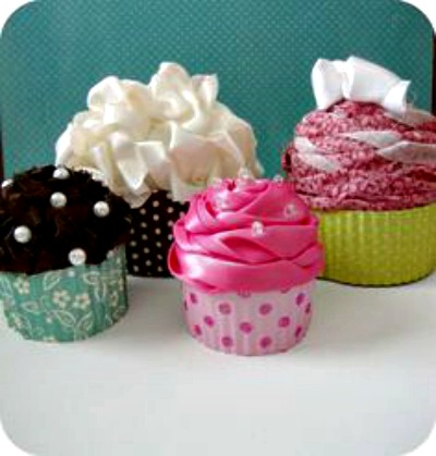 How to Make Homemade Cupcake-Shaped Gift Boxes