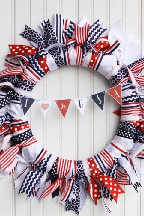 How to Make Patriotic Wreaths
